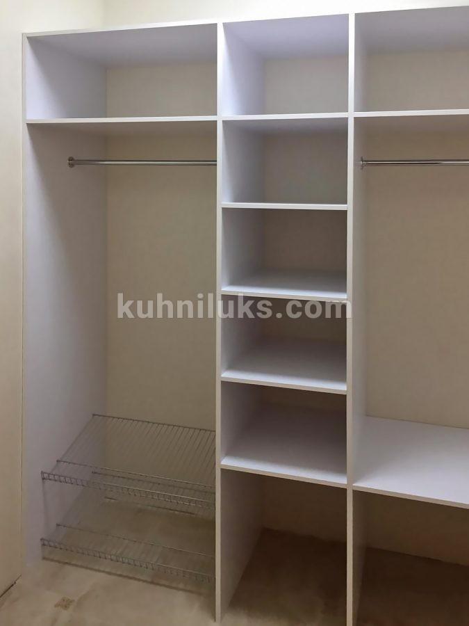 Встроенный шкаф в гардеробную