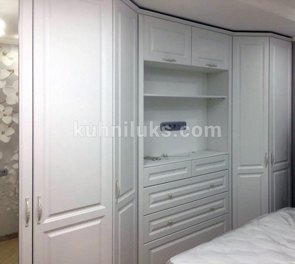 Шкафы в спальню